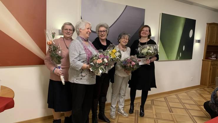 Die geehrten Frauenchor-Mitglieder im Bild.