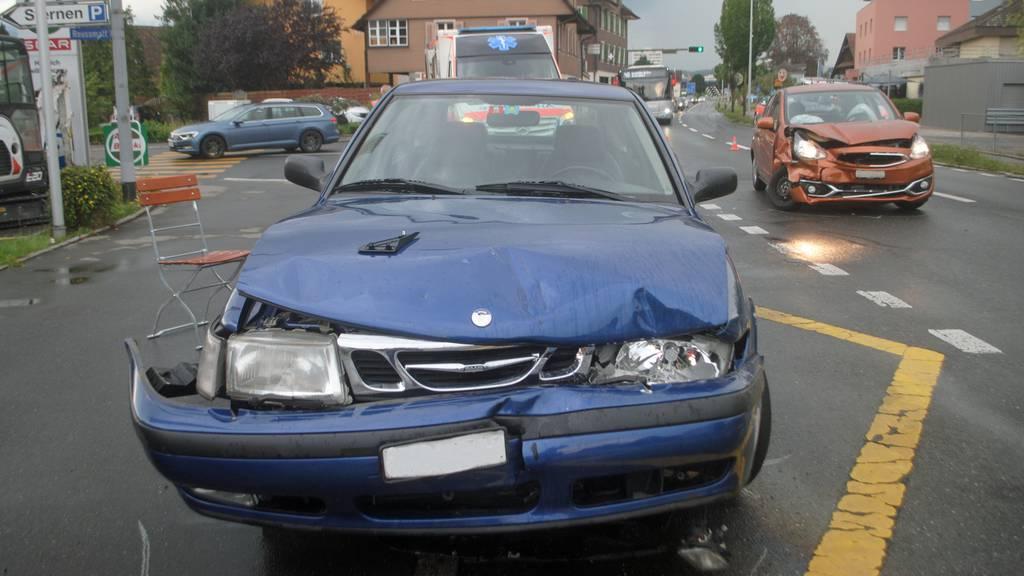 Autofahrer nach Unfall in Emmen schwer verletzt