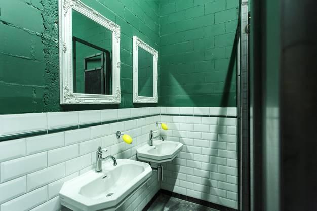 Die bestehende WC Anlage wurde renoviert. Hier die Damentoilette