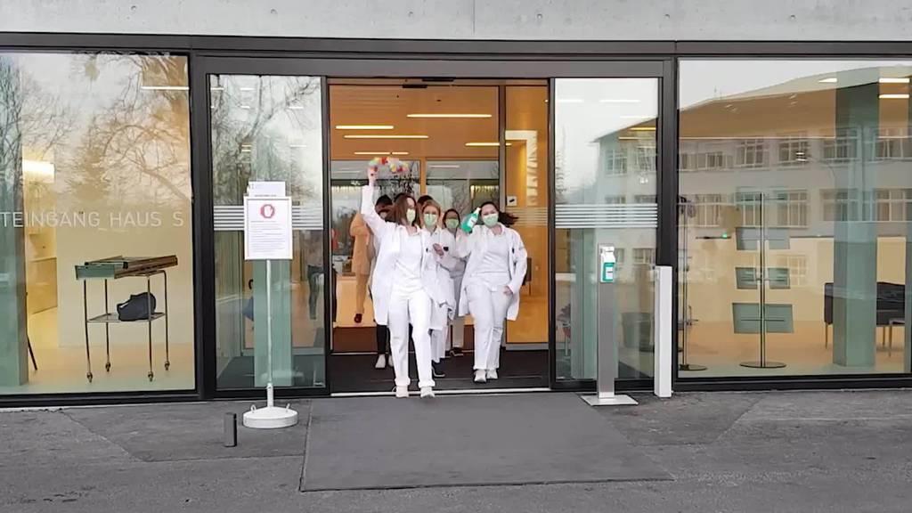 Jerusalema: Jetzt tanzt auch das Spitalpersonal von Grabs