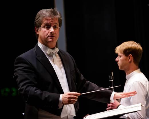 Dirigenten Joachim Pfläging bei seiner Premiere in Gebenstorf.