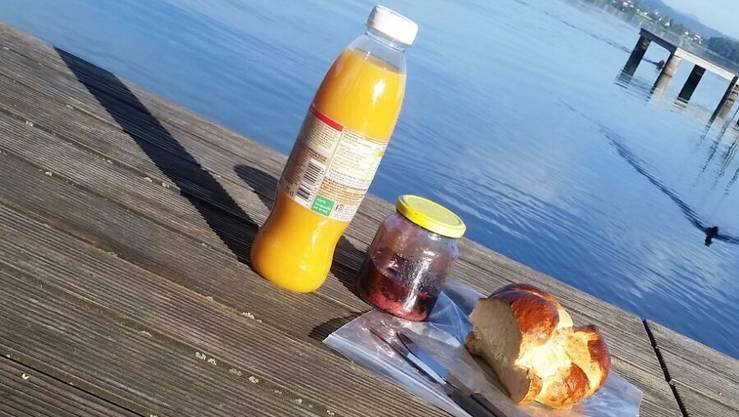 Wie sich das gehört: Frühstück am See