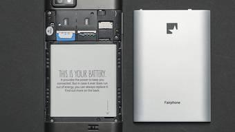 Immer noch werden viele Handys für die Müllhalde produziert. Laut Greenpeace erfüllen die beiden IT-Hersteller Fairphone und Apple hingegen wesentliche Umweltstandards. (Archiv)