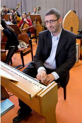 Bruno Perrault am Ondes Martenot.