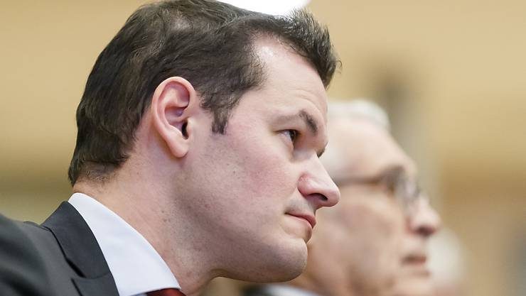 Die Genfer Justiz hat keine Hinweise gefunden, dass FDP-Staatsrat Pierre Maudet eine illegale Telefonüberwachung der Gepäckträger am Genfer Flughafen angeordnet haben soll. (Archivbild)