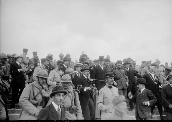 Am Tag des Unterzeichnens der Versailler Verträge am 28. Juni 1919. Genau fünf Jahre früher erschoss ein serbischer Nationalist den Thronerben von Österreich-Ungarn Franz Ferdinand. Dieser Ereignis führte letztendlich zum Beginn des Ersten Weltkrieges.