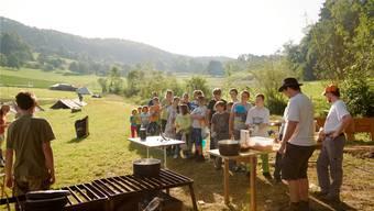 Frisches Essen in der Natur, Sport und Freunde: Für Sommerlager steht ab 1. August weniger Geld zur Verfügung. So auch für den Cevi Gränichen (im Bild). ZVG