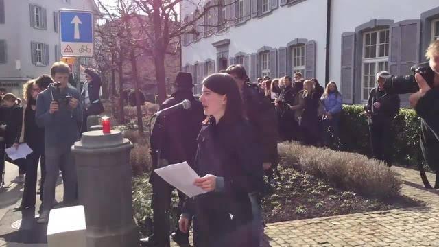 Protestaktion vor dem Regierungsgebäude in Liestal