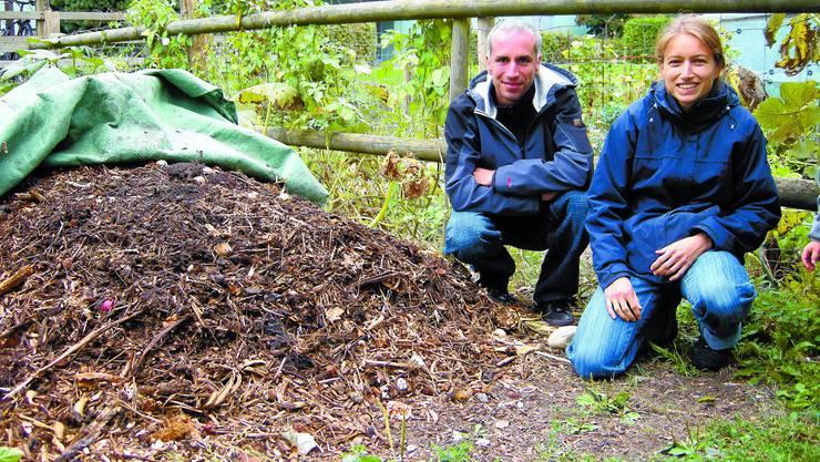 Fachstellenleiter Umwelt/Energie, Alain Perrenoud, und Kompostberaterin Karin Ruchti.