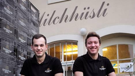 Die Freunde Dominik Neff und Raphael Stöckli wollen kein Massenprodukt brauen, mit dem man sich «besäuft».