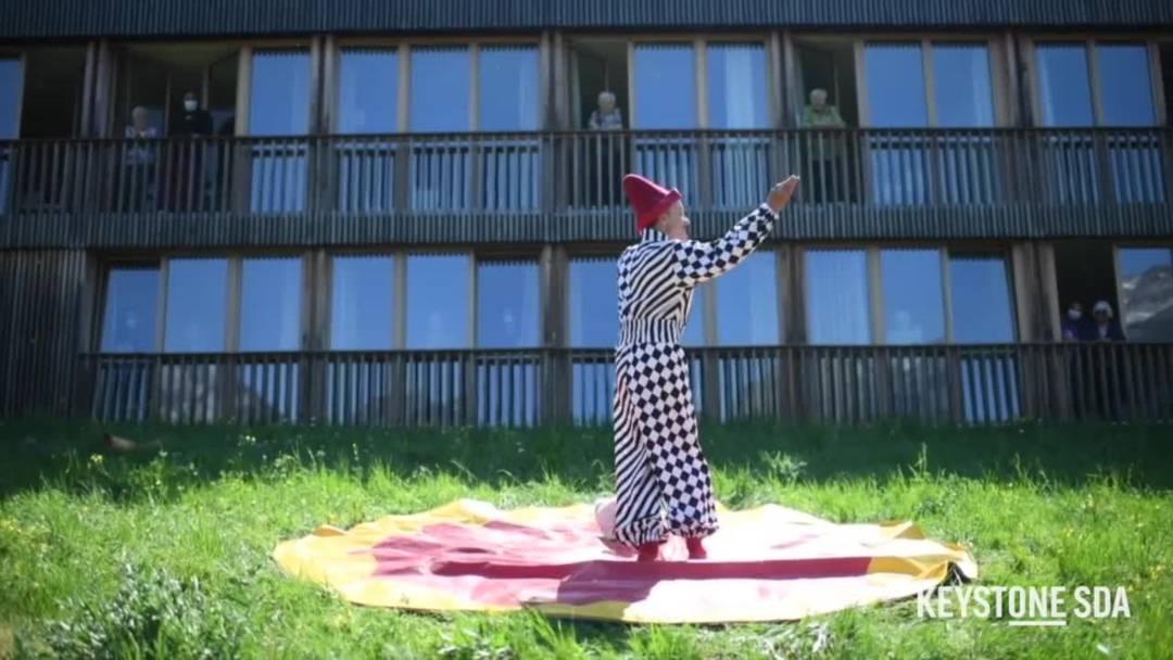 Zirkus Mugg macht Halt vor Altersheimen