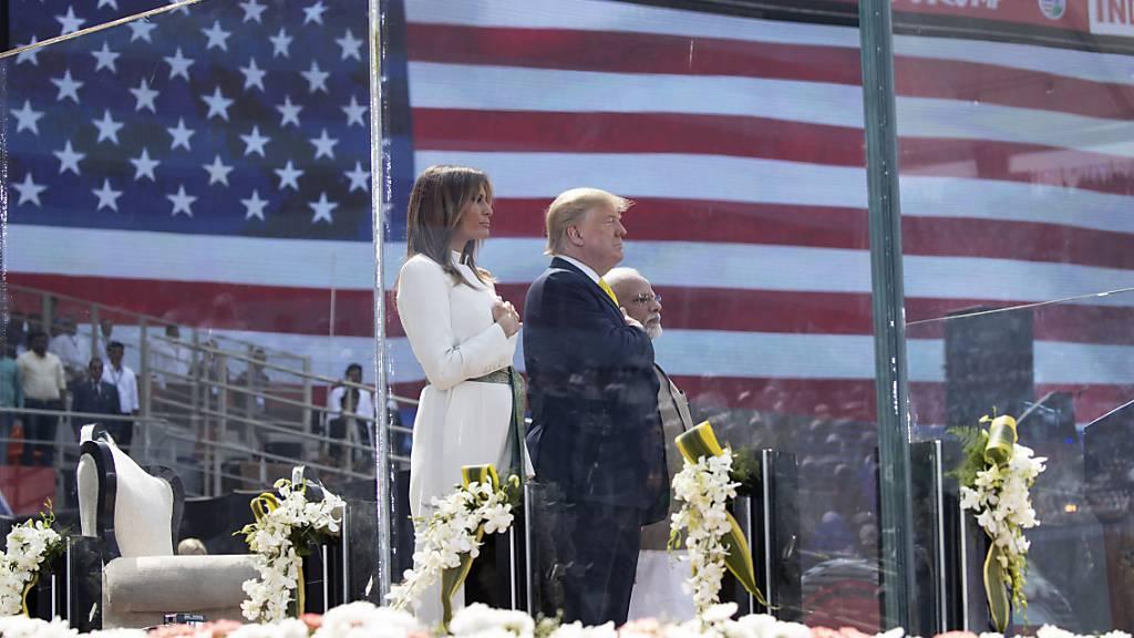 Zwei weitere Mitarbeiter von Trumps Wahlkampfteam mit Coronavirus