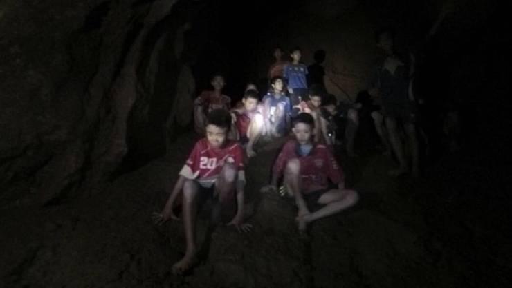12 Knaben und ihr Fussballtrainer waren während 17 Tagen in der Höhle Tham-Luang eingeschlossen.