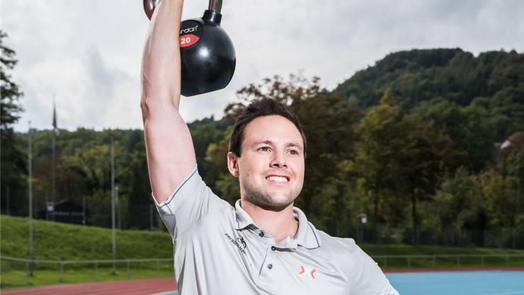Sandro Galli hat die Firma Priosan GmbH gegründet und trainiert vom 70-jährigen Herzpatienten bis zum Spitzensportler alles. Mario Heller