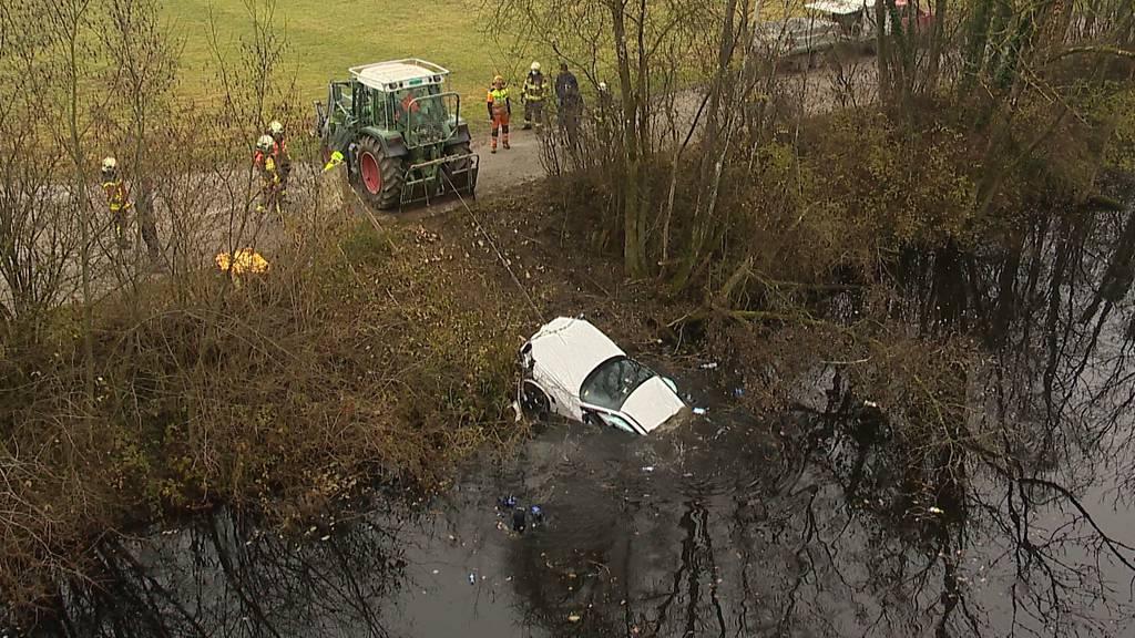 Henau (SG): 65-Jährige landet mit Auto in Fluss - und rettet sich durchs Seitenfenster