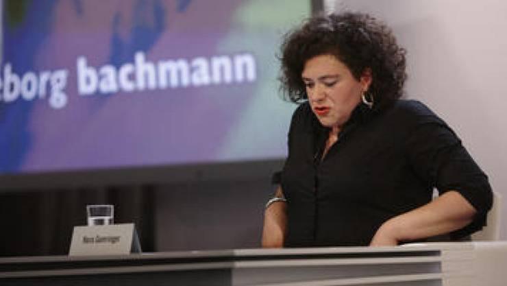 Bachmannpreisträgerin Nora Gomringer am Donnerstag bei ihrer Lesung (Bild ORF).