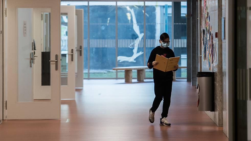 Der Kanton Luzern reagiert auf die Lockerung des Bundesrats mit Lockerungen an den Schulen. (Archivbild)