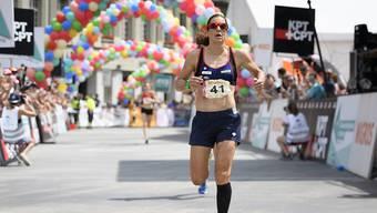Nicola Spirig gewinnt in St. Moritz einen EM-Formtest mit insgesamt 40 km Velo- und 18 Laufkilometern