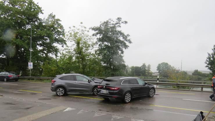 Die Kollision ereignete sich am Donnerstagmorgen auf der Koblenzer Bahnhofstrasse.