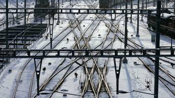 Gefrorene Weichen stellen die SBB während der Kältewelle vor Probleme. (Archiv)