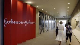 Der US-Konzern Johnson & Johnson ist am Dienstag von einer Jury in Philadelphia zu einer Milliardenstrafe verdonnert worden. (Archivbild)