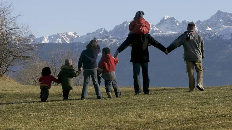«Drei Kinder sind genug», findet SVP-Grossrätin Martina Bircher. Zumindest für Familien, die von der Sozialhilfe leben. (Symbolbild)