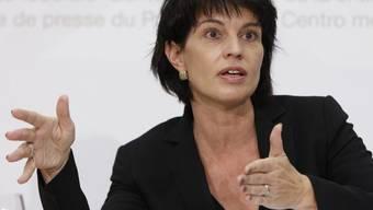 Die Bundespräsidentin wird nach Departements-Rochade kritisiert