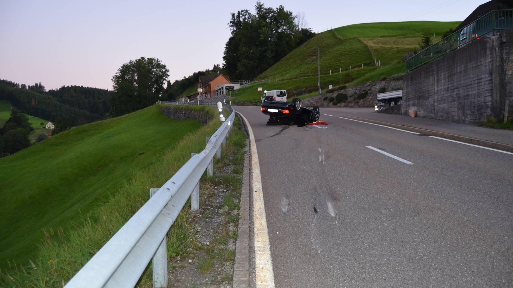 Hier überholte der junge Mann und verletzte sich beim Unfall schwer.