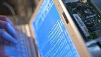 Die Cyber-Krieger sollen auch aktiv und gezielt Angreifer ausschalten können. (Symbolbild)