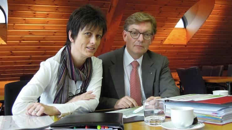Irmgard Struchen, Finanzvorsteherin Schulgemeinde, und Thomas Hächler, Finanzvorstand Pol. Gemeinde.