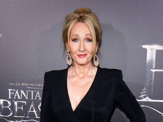 J.K. Rowling, deren Bücher quasi ein diversitäts-sensibles Paradies sind, schockte die Trans- und weite Teile ihrer Fangemeinde, als sie auf Twitter fragte, wie denn eigentlich der Name für «people who menstruate» überhaupt noch lauten würde.
