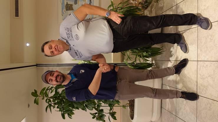 Dirigent Patrick Blättler mit Präsident Patrik Schärer