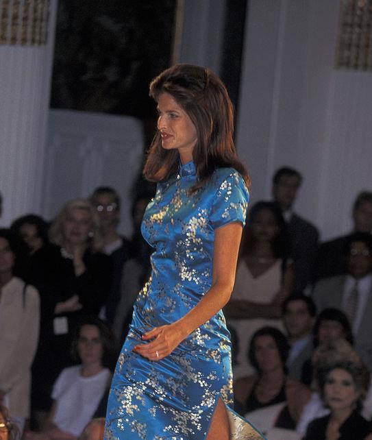 Stephanie Seymour debütierte 1995