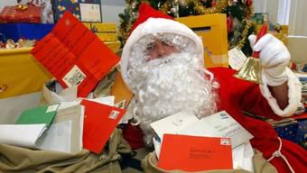 Auch dieses Jahr erhält der Weihnachtsmann wieder viel Post (Archiv)