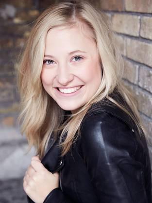 Annina Euling stammt aus Solothurn. Sie ist die Tochter von Schauspielerin und Regisseurin Barbara Grimm, die am TOBS beschäftigt ist.