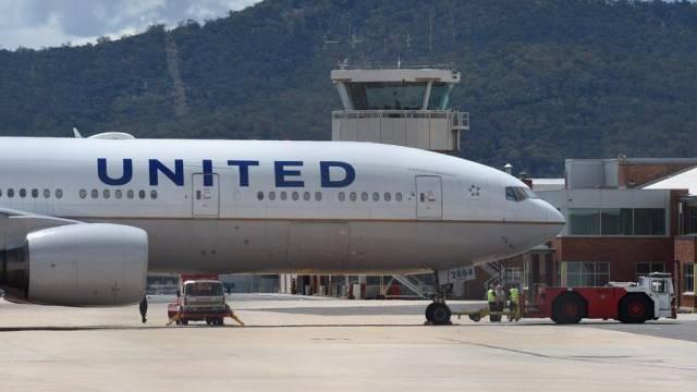 Das gestrandete United Airlines-Flugzeug in Canberra