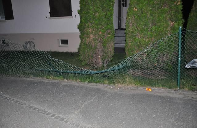 Der beschädigte Zaun.
