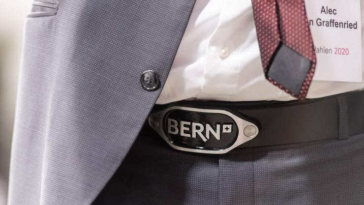 Die Partei des wiedergewählten Stapi von Bern, Alec von Graffenried – im Bild sein Gurt –, musste im Stadtparlament Federn lassen.