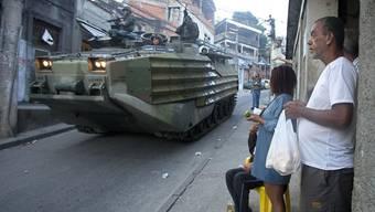 Der Stadtteil Mangueira gleicht einem Kriegsschauplatz