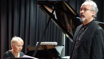 Tino Brütsch singt im «Schlössle». SK