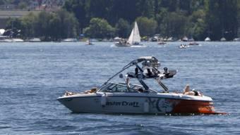 Auf dem Zürichsee sind Segler in Seenot geraten. (Symbolbild)