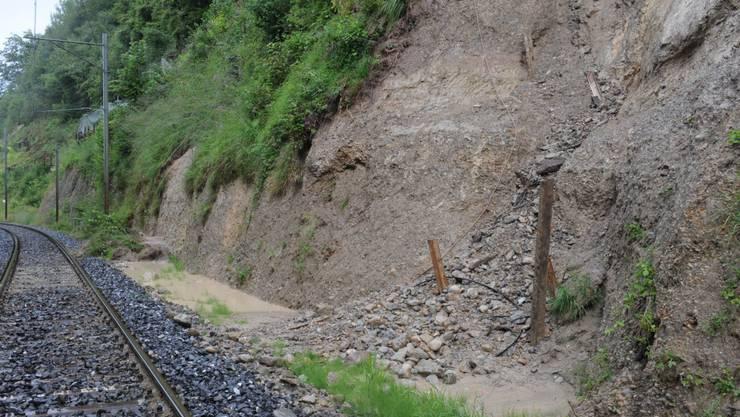 Erdrutsch auf Bahnlinie zwischen Wald und Rüti