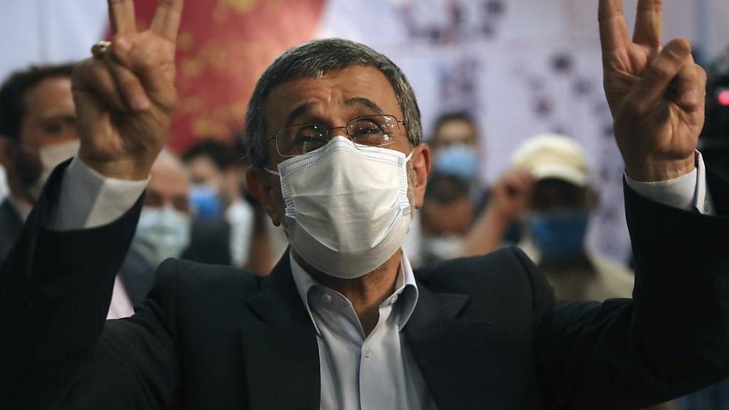 Ahmadinedschad kandidiert erneut für Präsidentenamt