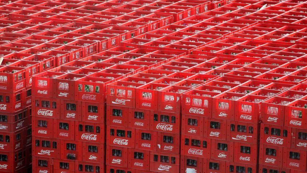 In Grossbritannien müssen die Hersteller von Süssgetränken künftig eine Abgabe zahlen. Die Cola-Getränke fallen unter die neue Regelung. (Symbolbild)