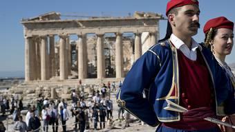 Die Ratingagentur Fitch hat nach Standard & Poor's ebenfalls die Benotung von Griechenland erhöht. (Archivbild Akropolis)