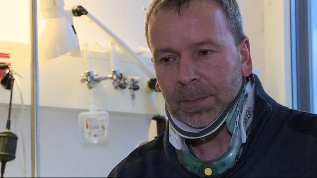 Er hatte einen Schutzengel: Daniel Füglistaler wird im Auto fast von einem Baum erschlagen.