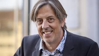 """Zehnfach übersetzt: Der Berner Schriftsteller Pedro Lenz veröffentlicht seinen Mundartroman """"Dr Goalie bin ig"""" jetzt auch auf Ukrainisch. (Archivbild)"""
