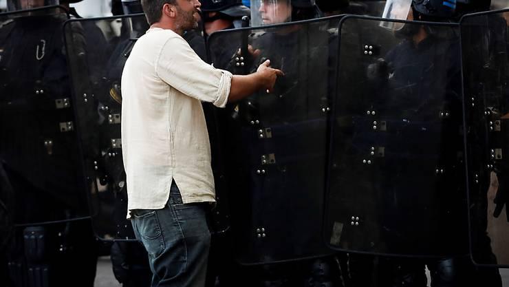 Am Rande des G7-Gipfels in Biarritz (F) kam es am ersten Tag zu über 60 Festnahmen.