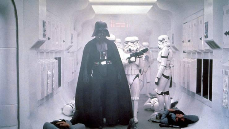 Darth Vaders Auftritt: Szene aus dem Film «Star Wars» 1977.