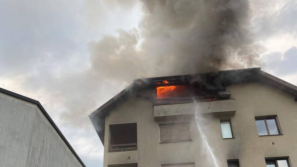 Mehrfamilienhaus nach Balkonbrand unbewohnbar